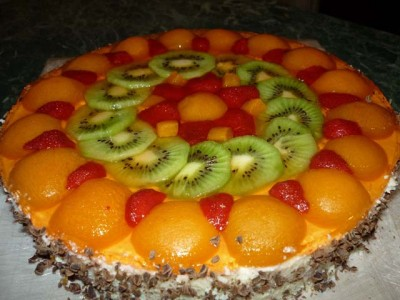 Лёгкий торт с фруктами