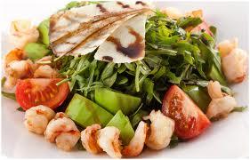 Салат крабовый с рукколой