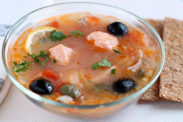 Солянка рыбная с капустой