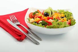 Салат из кукурузы с дыней и арбузом