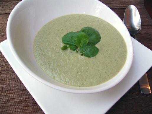 Сливочный суп-пюре из чеснока и сельдерея